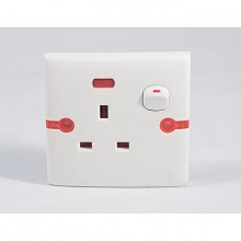 13 Amps Flush Socket