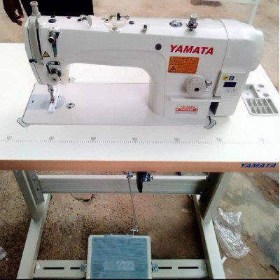 Yamata Industrial Straight Sewing Machine